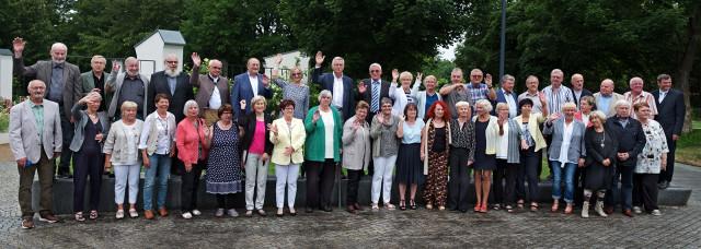 101-24-06-2021-Goldenes-Abitur-Gruppenfoto-Jabs